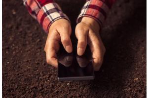 iPhone 6s valt uit propellervliegtuig, overleeft de val en neemt alles op